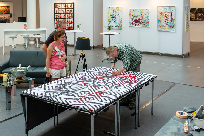 """LIVEART  Ausstellung LIVING ART """"Unter der KSK-Pyramide"""" Heilbronn"""
