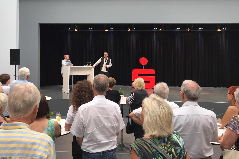 """VERNISSAGE Ausstellung LIVING ART """"Unter der KSK-Pyramide"""" Heilbronn"""