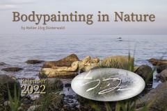 Kalender NATURE ART - BODYPAINTING IN NATURE 2022 - Titelbild mit beispielhafter Künstlersignatur