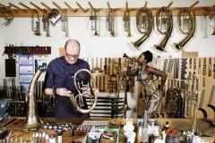 WORKING ART - Metallblasinstrumentenmacher / Bodypainting meets Business